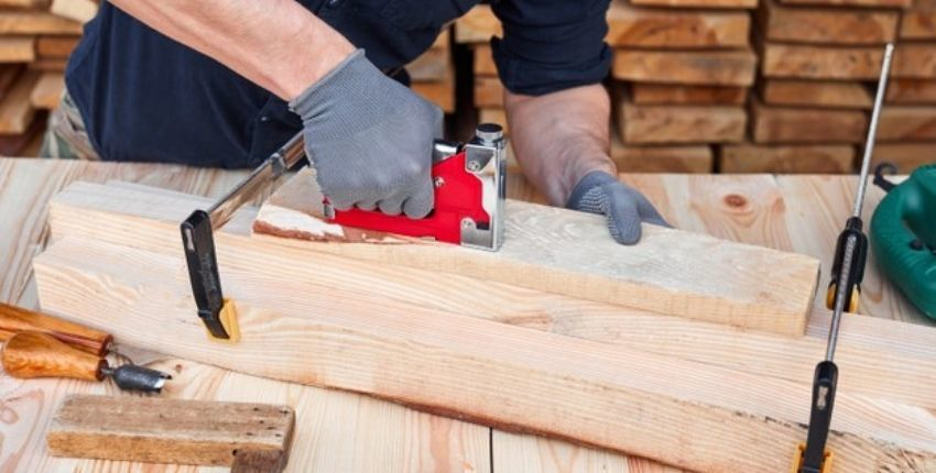 Major Types & Benefits of Furniture Repair Services